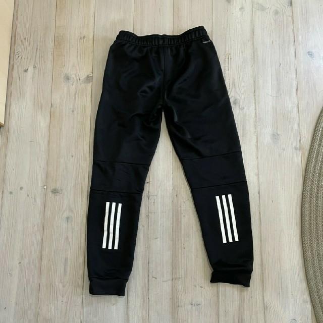 adidasズボン  黒  150 キッズ/ベビー/マタニティのキッズ服男の子用(90cm~)(パンツ/スパッツ)の商品写真
