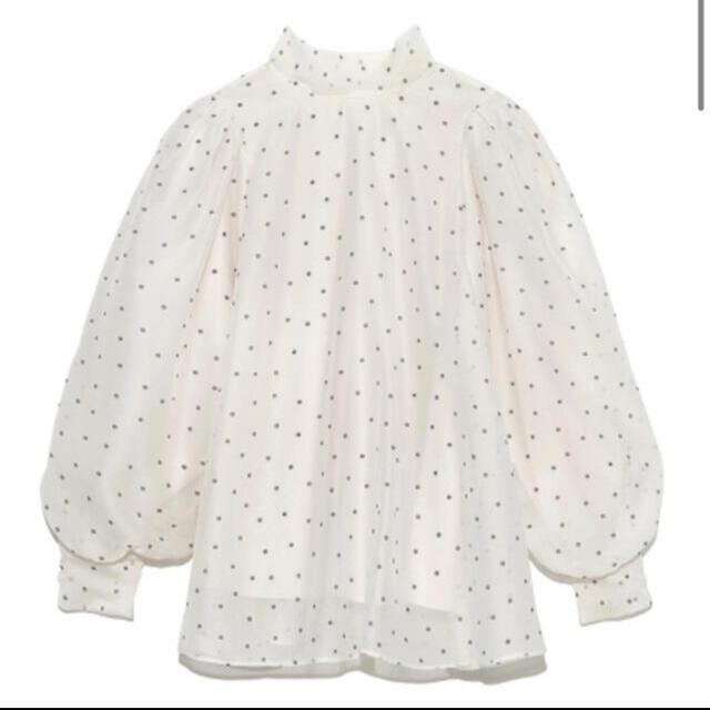 snidel(スナイデル)のオーガンジーシースルーブラス ドット柄 レディースのトップス(シャツ/ブラウス(半袖/袖なし))の商品写真