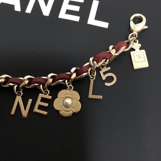 CHANEL(シャネル)の*専用*美品*シャネル ブレスレット アイコンチャーム レディースのアクセサリー(ブレスレット/バングル)の商品写真