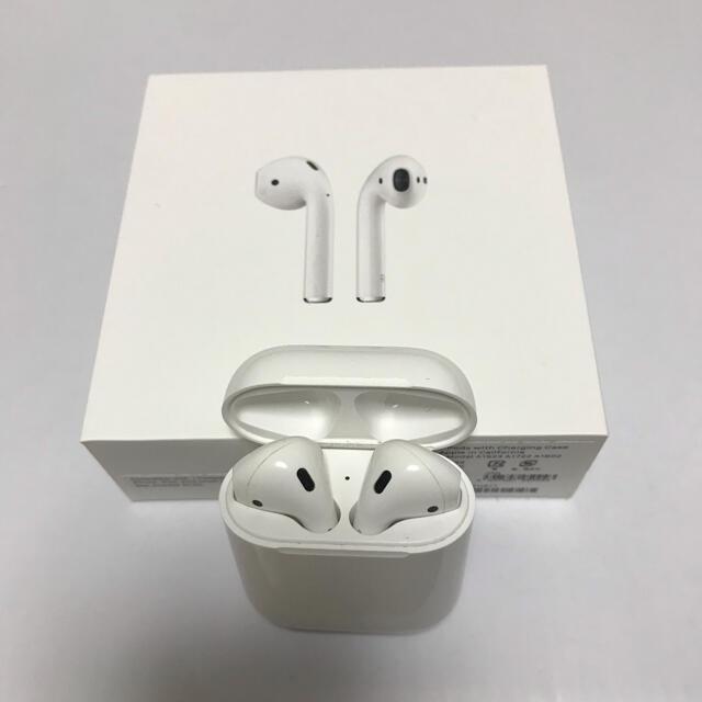 Apple(アップル)のAirPods エアーポッズ 第一世代 スマホ/家電/カメラのオーディオ機器(ヘッドフォン/イヤフォン)の商品写真