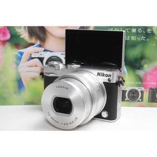 Nikon - ❤️Wi-Fi&カンタン自撮り❤️Nikon 1 J5 パワーズームレンズキット