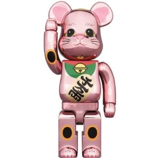 メディコムトイ(MEDICOM TOY)のBE@RBRICK 招き猫 桃金メッキ 発光 400% ベアブリック(その他)