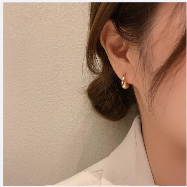 【K18 ゴールドフープピアス…】 レディースのアクセサリー(ピアス)の商品写真
