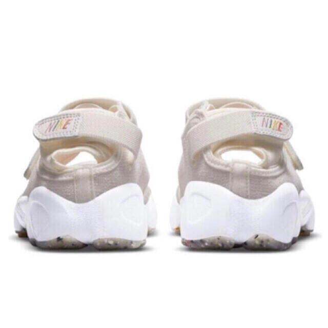 NIKE(ナイキ)の25㎝‼️最安‼️新品‼️ナイキ エアリフト 足袋 白 ホワイト❤️箱付黒タグ付 レディースの靴/シューズ(スニーカー)の商品写真