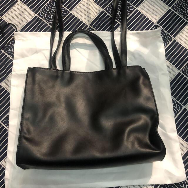 テルファー TELFAR ミディアム ブラック レディースのバッグ(ショルダーバッグ)の商品写真