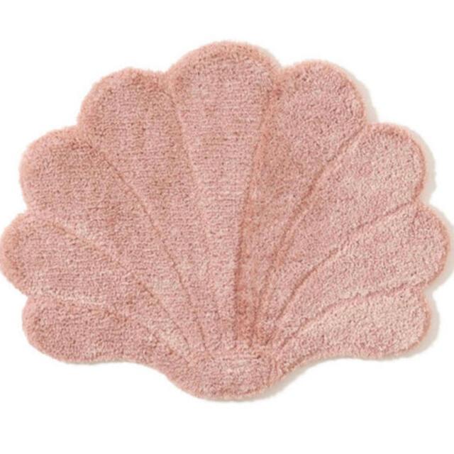 Francfranc(フランフラン)のフランフラン シェル ピクト マット ピンク ライトピンク 560×700 インテリア/住まい/日用品のラグ/カーペット/マット(ラグ)の商品写真