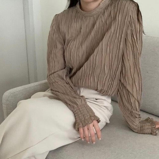 dholic(ディーホリック)の韓国ファッション♡淡色女子 オルチャン ブラウン ブラウス フェミニン 長袖 レディースのトップス(シャツ/ブラウス(長袖/七分))の商品写真