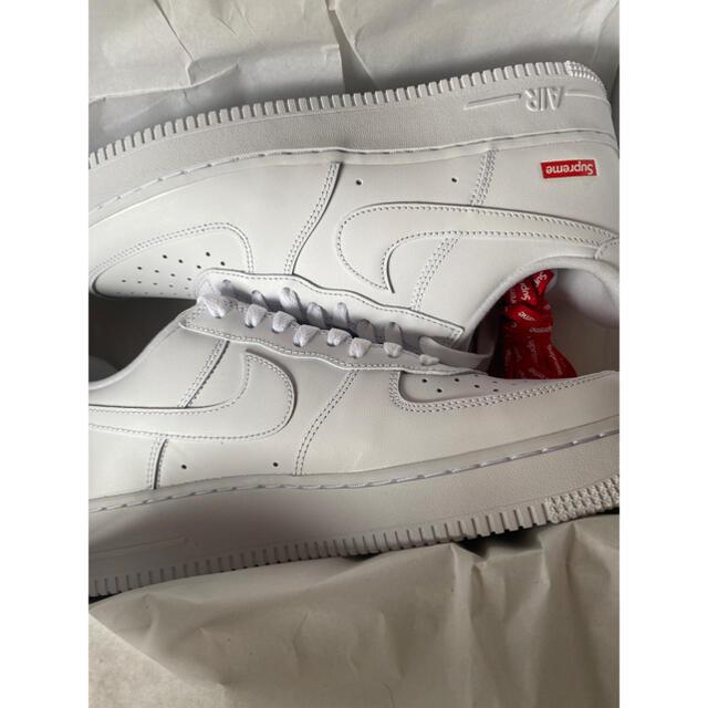 Supreme(シュプリーム)のSupreme Nike Air Force 1 white 26.5cm メンズの靴/シューズ(スニーカー)の商品写真