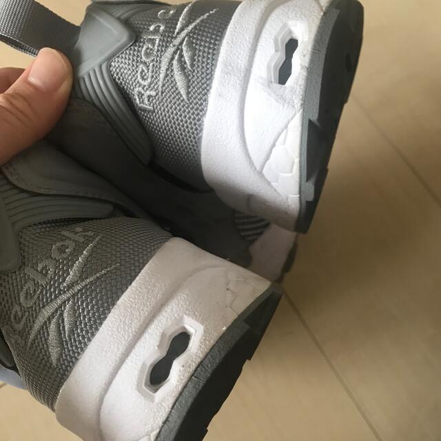 Reebok(リーボック)のReebok INSTAPUMP FURYポンプフューリー グレー V65751 レディースの靴/シューズ(スニーカー)の商品写真