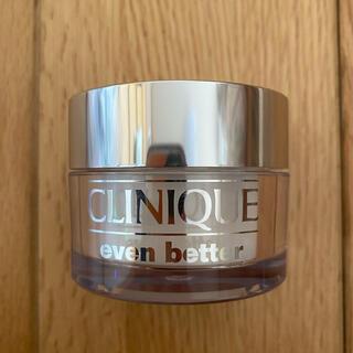 クリニーク(CLINIQUE)の【美品】クリニーク イーブンベターブライトニングルースパウダーC(フェイスパウダー)