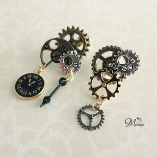 シルバー&ゴールド 時計の針と黒時計の歯車イヤリング p-0808(イヤリング)