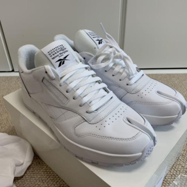 Maison Martin Margiela(マルタンマルジェラ)の新品 Maison Margiela  Reebok スニーカー 足袋 ホワイト レディースの靴/シューズ(スニーカー)の商品写真