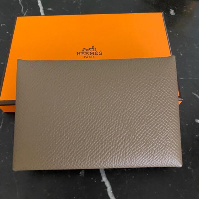 Hermes(エルメス)のHERMÈS カルヴィ カードケース レディースのファッション小物(名刺入れ/定期入れ)の商品写真