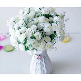 【新品】ホワイト*フラワー*造花*薔薇(その他)