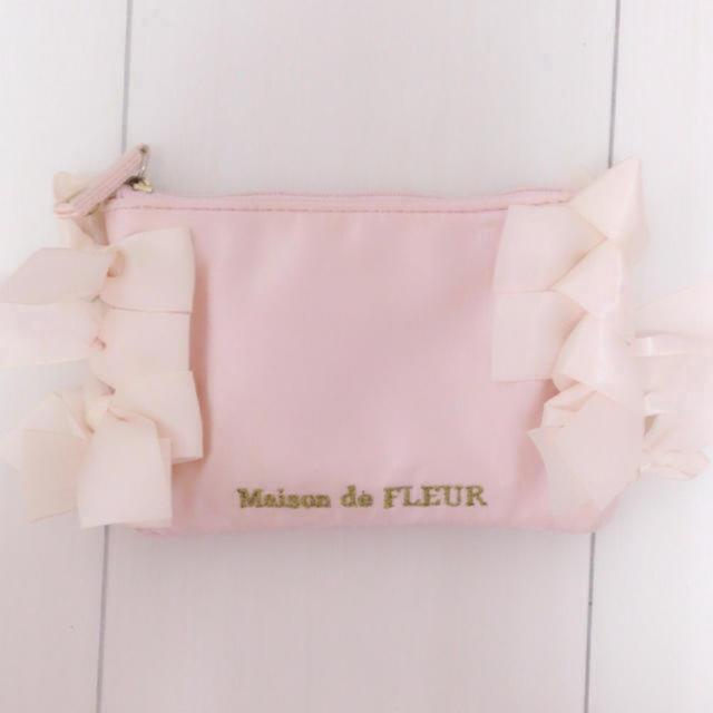 Maison de FLEUR(メゾンドフルール)の♡Maison de FLEUR サイドリボンピンクポーチ Sサイズ♡ レディースのファッション小物(ポーチ)の商品写真