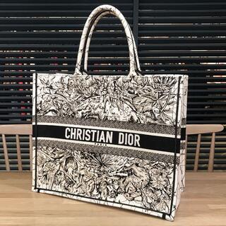 Christian Dior - 新品同様 ディオール エンブロイダリー ブックトート ラージ ユニセックス