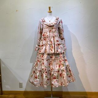カネコイサオ(KANEKO ISAO)のワンダフルワールド ブラウス&スカート定価8万5700円(セット/コーデ)