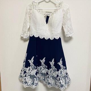 dazzy store - 刺繍レース 谷間みせ Aラインキャバドレス