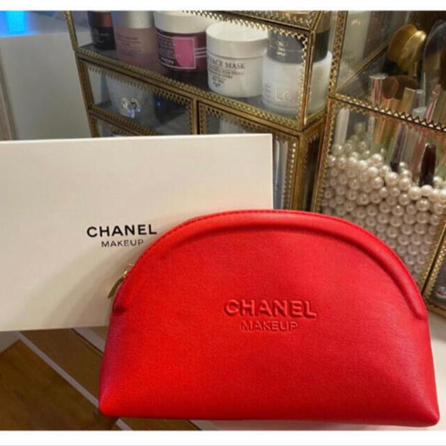CHANEL(シャネル)の【新品】CHANEL シャネル ノベルティポーチ レッド レディースのファッション小物(ポーチ)の商品写真