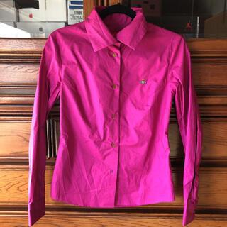 ヴィヴィアンウエストウッド(Vivienne Westwood)のヴィヴィアン ショッキングピンク シャツ(シャツ/ブラウス(長袖/七分))
