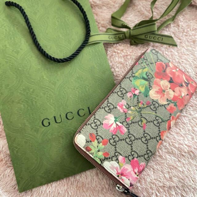 Gucci(グッチ)の【美品】グッチのフラワー柄 長財布 レディースのファッション小物(財布)の商品写真