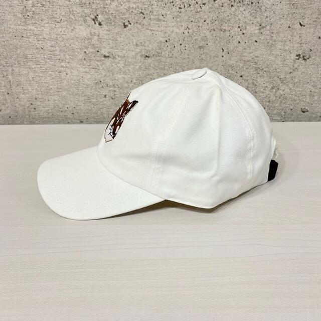 MAISON KITSUNE'(メゾンキツネ)の新品 メゾンキツネ ベースボール キャップ ホワイト メンズ レディース 白 メンズの帽子(キャップ)の商品写真