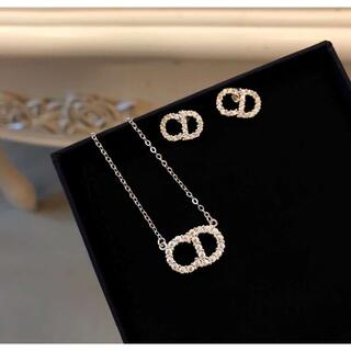 Dior -  LOEWE  ネックレス ⭐ ピアス⭐
