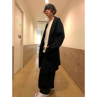 TOMORROWLAND - jean paul knott フードコート