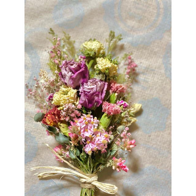 ピンクと白薔薇のスワッグ お値下げ致しました ハンドメイドのフラワー/ガーデン(ドライフラワー)の商品写真