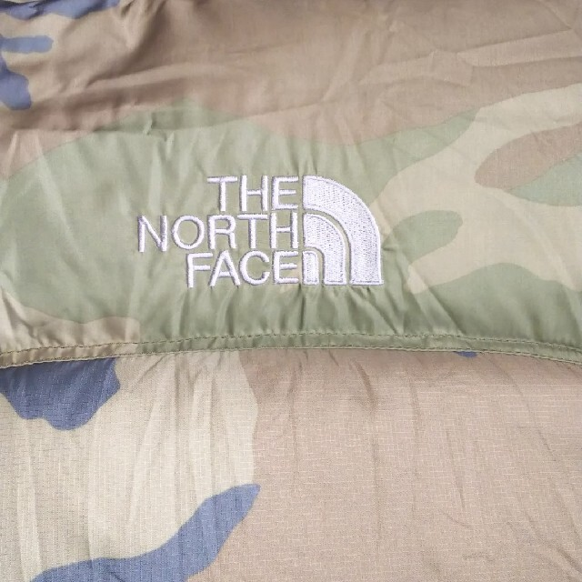 THE NORTH FACE(ザノースフェイス)のノースフェイス  ダウン  ベスト  ヌプシ  迷彩   カモ   メンズのジャケット/アウター(ダウンベスト)の商品写真