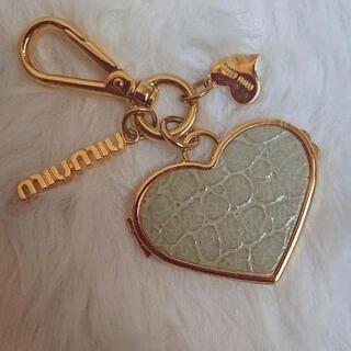 miumiu - MIUMIU ハート バッグチャーム クロコ