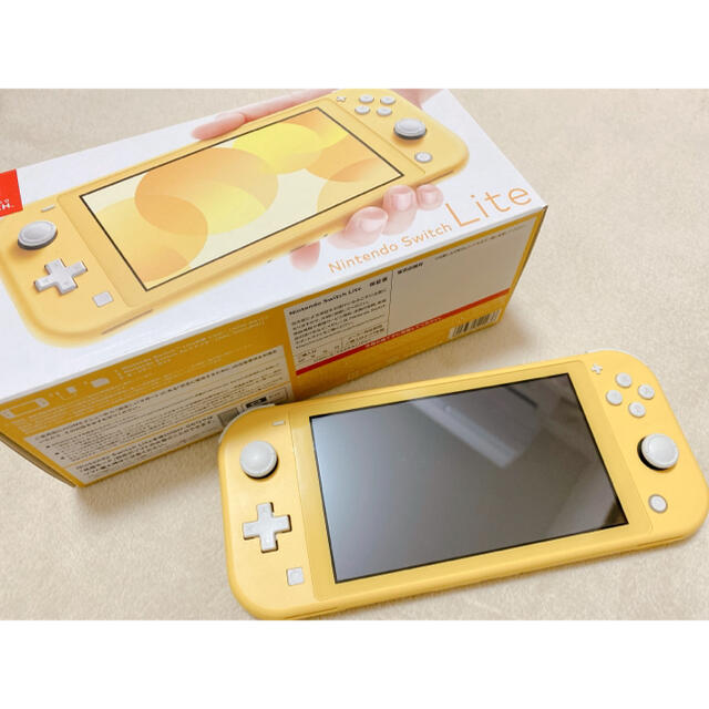 Nintendo Switch(ニンテンドースイッチ)のNintendo Switch Light イエロー エンタメ/ホビーのゲームソフト/ゲーム機本体(携帯用ゲーム機本体)の商品写真