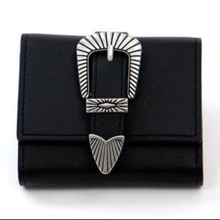 トーガ(TOGA)のマットブラックベルト ボックスコイン 三つ折り ミニ財布 TOGA風(財布)