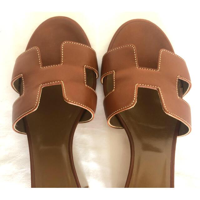 Hermes(エルメス)のHERMES オアジス サンダル   ゴールド 36 極美品 レディースの靴/シューズ(サンダル)の商品写真