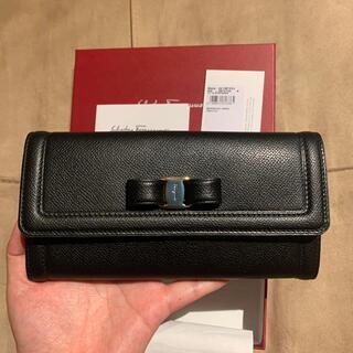 サルヴァトーレフェラガモ(Salvatore Ferragamo)のサルヴァトーレ フェラガモ ヴァラ リボン レザー 長財布(財布)
