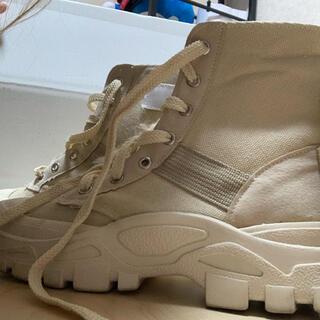 H&M - ベージュ ハイカットブーツ 靴