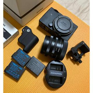 SIGMA - SIGMA fp レンズ45mm F2.8 予備バッテリー、純正グリップ