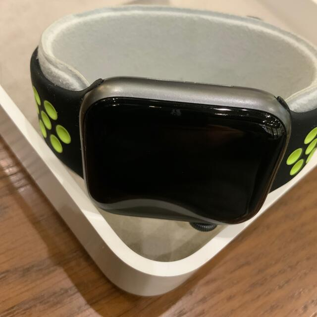 Apple Watch(アップルウォッチ)のApple Watch series4 40mm GPS メンズの時計(腕時計(デジタル))の商品写真