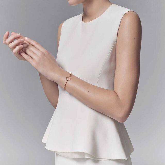 Tiffany & Co.(ティファニー)のティファニー バングル ワイヤー レディースのアクセサリー(ブレスレット/バングル)の商品写真