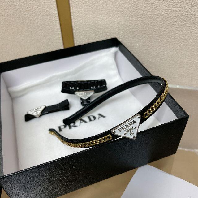 PRADA(プラダ)のPRADA プラダ ヘアピン 大人気 レディースの帽子(キャップ)の商品写真