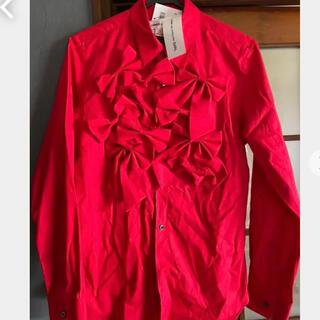 COMME des GARCONS - 期間限定特価コムデギャルソンリボンが可愛いシャツ赤