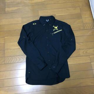 Oakley - 美品 ゴルフ OAKLY SKULL 長袖シャツ 黒金 Mサイズ