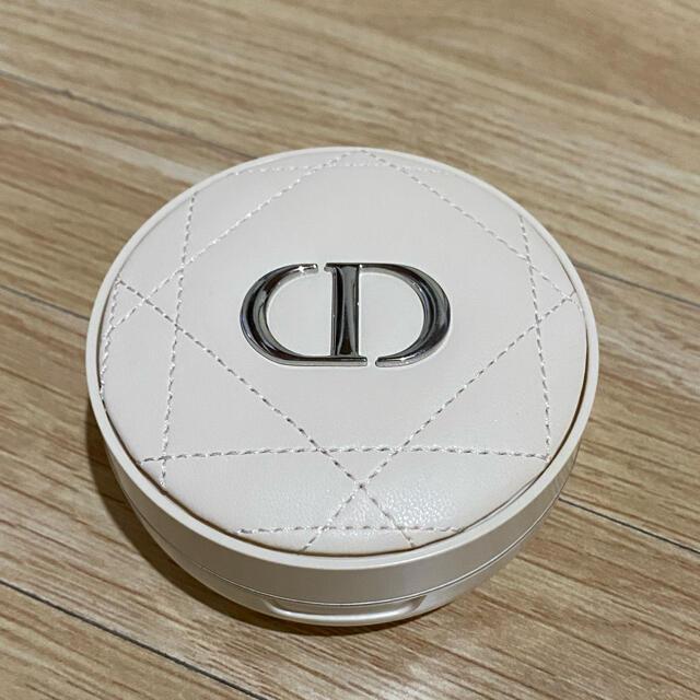 Dior(ディオール)のディオールスキン フォーエヴァー クッションパウダー  コスメ/美容のベースメイク/化粧品(フェイスパウダー)の商品写真