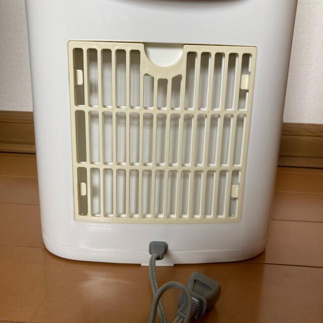 象印(ゾウジルシ)の象印 除湿乾燥機 水とり名人 RV-BV60        05年製 取説なし スマホ/家電/カメラの生活家電(加湿器/除湿機)の商品写真