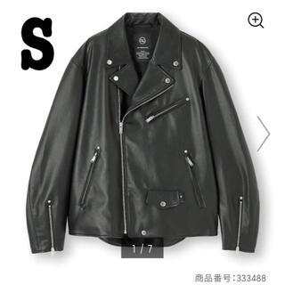 ジーユー(GU)の新品未使用 アンダーカバー GU ライダースジャケット サイズS(ライダースジャケット)