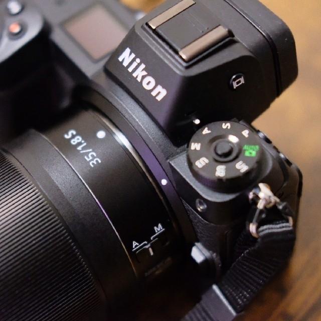 Nikon(ニコン)のNikon Z6 + Z35mm F1.8S おまけ品 スマホ/家電/カメラのカメラ(ミラーレス一眼)の商品写真