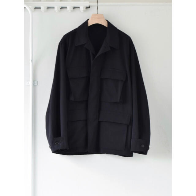 COMOLI(コモリ)のほぼ新品 COMOLI 21ss ウールギャバ B.D.Uジャケット コモリ メンズのジャケット/アウター(ミリタリージャケット)の商品写真