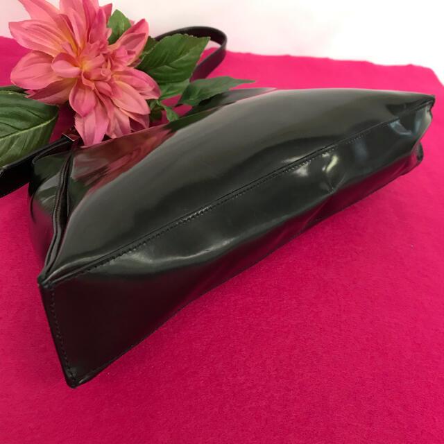 GIVENCHY(ジバンシィ)のジバンシー エナメル ミニショルダー レディースのバッグ(ショルダーバッグ)の商品写真