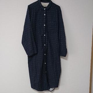 MUJI (無印良品) - 無印  M  脇に縫い目のない二重ガーゼワンピースパジャマ  ネイビー  ドット