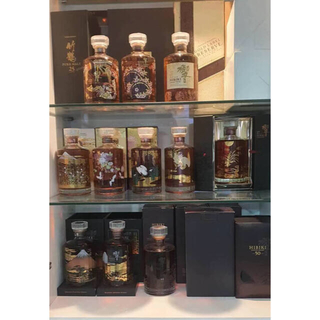 サントリー(サントリー)の響12年、17年、21年と30年の11本意匠ボトルセット(ウイスキー)